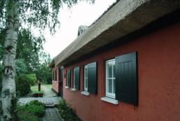 Nyt stråtag på stuehus Jyllinge Præstegård 2010